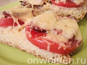 goryachie-buterbrody-s-pomidorami-i-ohotnichimi-kolbaskami5