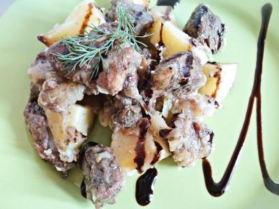 Мясо с картошкой в горшочках в духовке