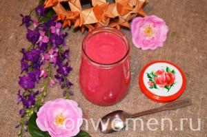 varene-iz-lepestkov-chajnoj-rozy-bez-varki7
