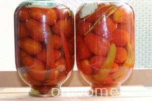 marinovannye-pomidory-s-bolgarskim-percem5