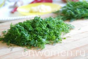 zakuska-iz-zelenyh-pomidor-chesnoka-i-gorkogo-perca-na-zimu6