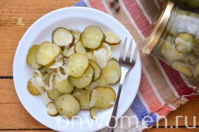 salat-nezhinskij-iz-ogurcov-na-zimu8