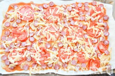 picca-s-ohotnichimi-kolbaskami-i-pomidorami11