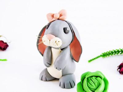 Кролик из пластилина