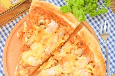 Пицца с курицей и грибами на дрожжевом тесте