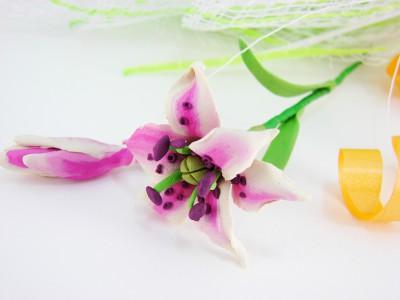 Лилия из пластилина