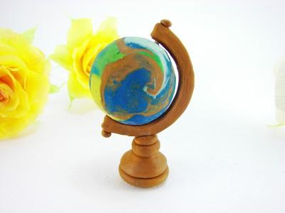 Глобус из пластилина