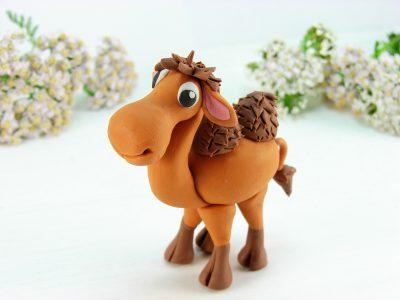 Верблюд из пластилина