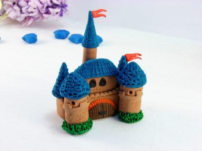 Замок из пластилина