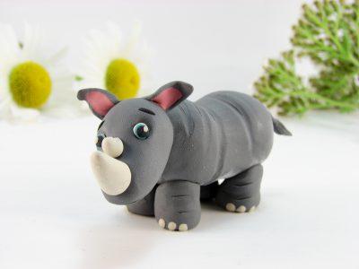 Носорог из пластилина
