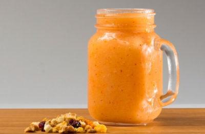 Ягодный смузи с творогом и молоком – рецепт с фото пошагово