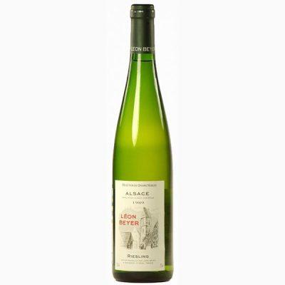 Что сочетается с белым полусладким вином