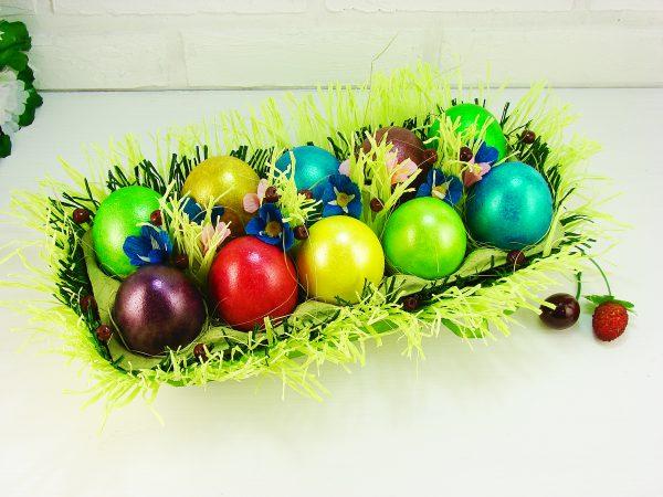 Подставка для яиц из яичного лотка
