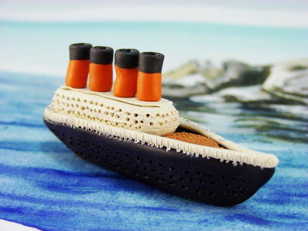 Титаник из пластилина