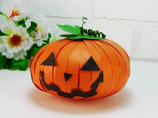 Тыква из бумаги на Хэллоуин