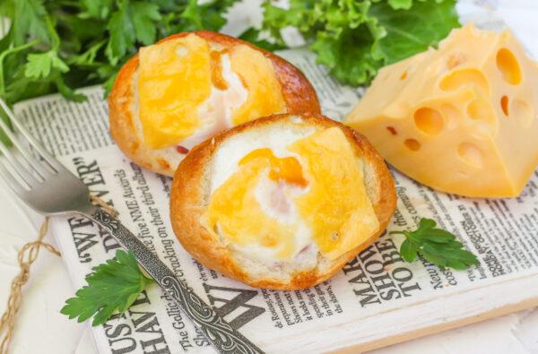 Яичница в булочке в духовке