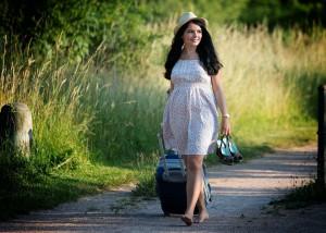 девушка путешествует в одиночестве советы