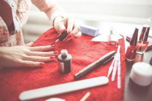 как продлить жизнь акриловым ногтям