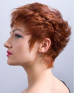 Головним трендом сезону для короткого волосся будуть виступати розпатлані, «рвані» локони