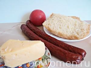 goryachie-buterbrody-s-pomidorami-i-ohotnichimi-kolbaskami1