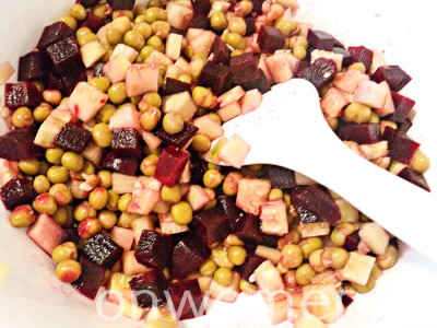 salat-iz-svekly-s-zelenym-goroshkom7