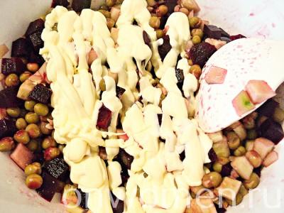 salat-iz-svekly-s-zelenym-goroshkom8