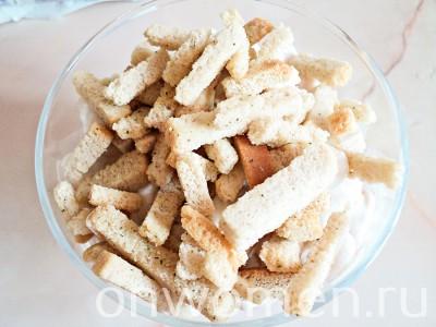 salat-s-fasolyu-i-suharikami6
