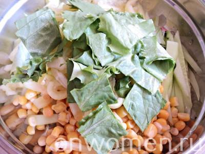 salat-s-kukuruzoj-i-ogurcom5