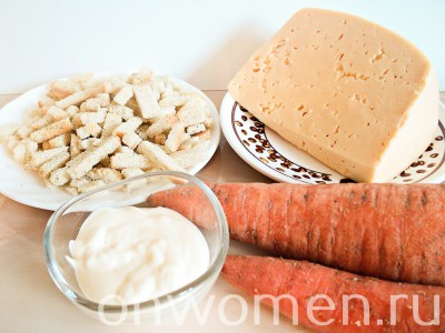 salat-s-suharikami-i-morkovyu1