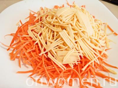 salat-s-suharikami-i-morkovyu3