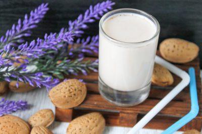 Как приготовить миндальное молоко в домашних условиях: 3 рецепта