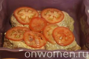 kurinye-bedra-s-pomidorami-v-duhovke5