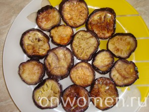 salat-s-baklazhanami-pomidorami-i-gribami10