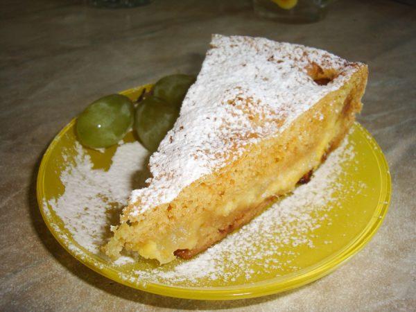 Пирог с дыней и творогом