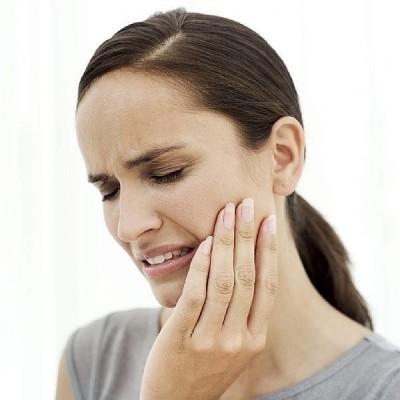 Болит челюсть возле уха