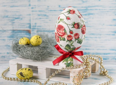 Декупаж деревянного яйца к Пасхе