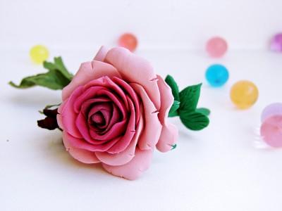 roza-iz-plastilina-400x300 Как из пластилина слепить розочку. Как сделать розу из пластилина: лепим цветок своими руками