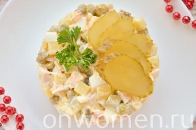 salat-s-kuricej-yajcami-i-ovoshhami9