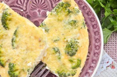 Омлет с брокколи и сыром в духовке
