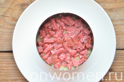 salat-sugrob-s-kolbasoj4