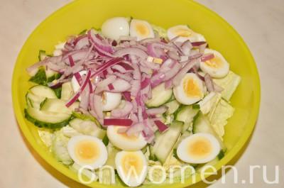 salat-s-pechenyu-treski-i-perepelinymi-yajcami4