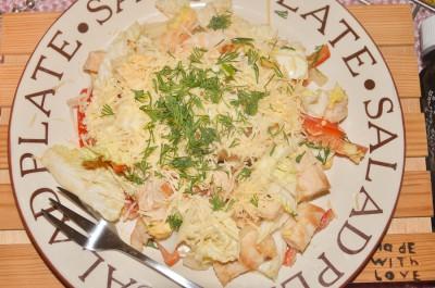 Белковый салат с овощами на скорую руку