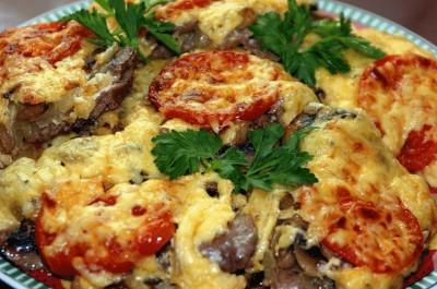Мясо по-французски с грибами в духовке: 5 рецептов, особенности приготовления