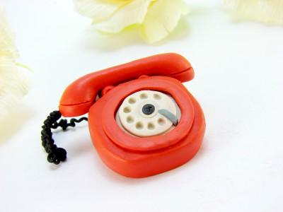 Телефон из пластилина