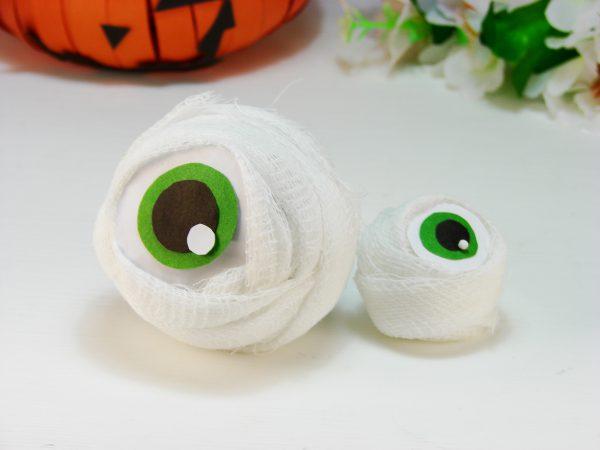 Глаза зомби на Хэллоуин