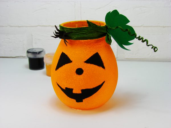 Подсвечник на Хэллоуин из банки